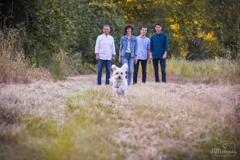55-sesion-fotos-familia-con-perro