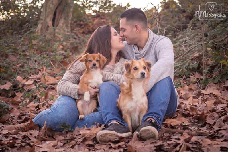 fotos de pareja con perros