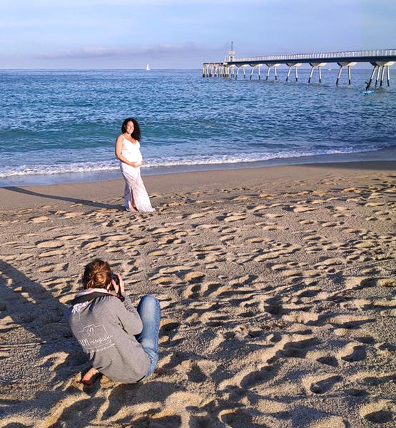 making of sesión de fotos de embarazo en exterior